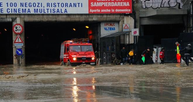 Continua il maltempo in Liguria, nell'Imperiese l'allerta da gialla diventa arancione