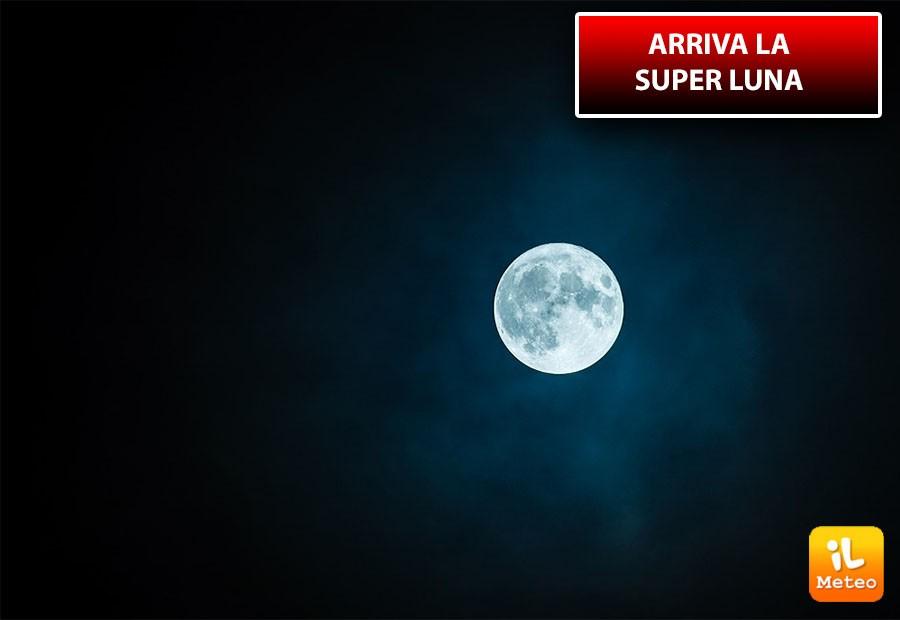 Martedì 19 febbraio, la superluna più grande dell'anno 2019
