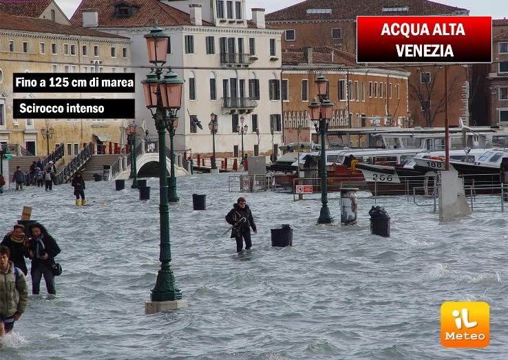 Attesa acqua alta a Venezia