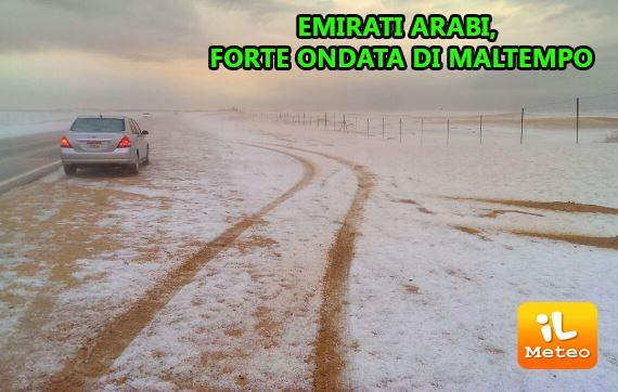 Emirati Arabi, forte ondata di maltempo