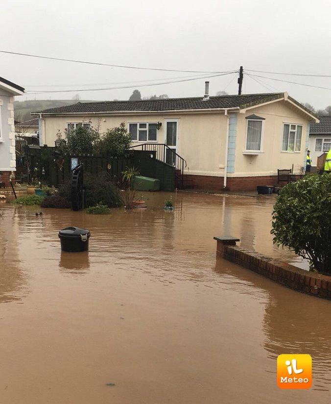 Numerosi allagamenti e alluvioni nel Regno Unito