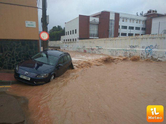 Strade come fiumi a Malaga