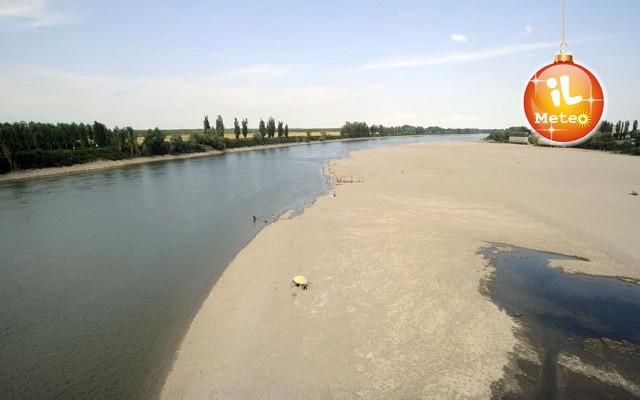 Clima a dicembre niente pioggia coldiretti lancia l - Letto di un fiume in secca ...