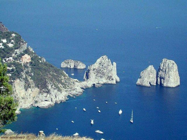 Bellezze Ditalia Lisola Di Capri Ilmeteoit