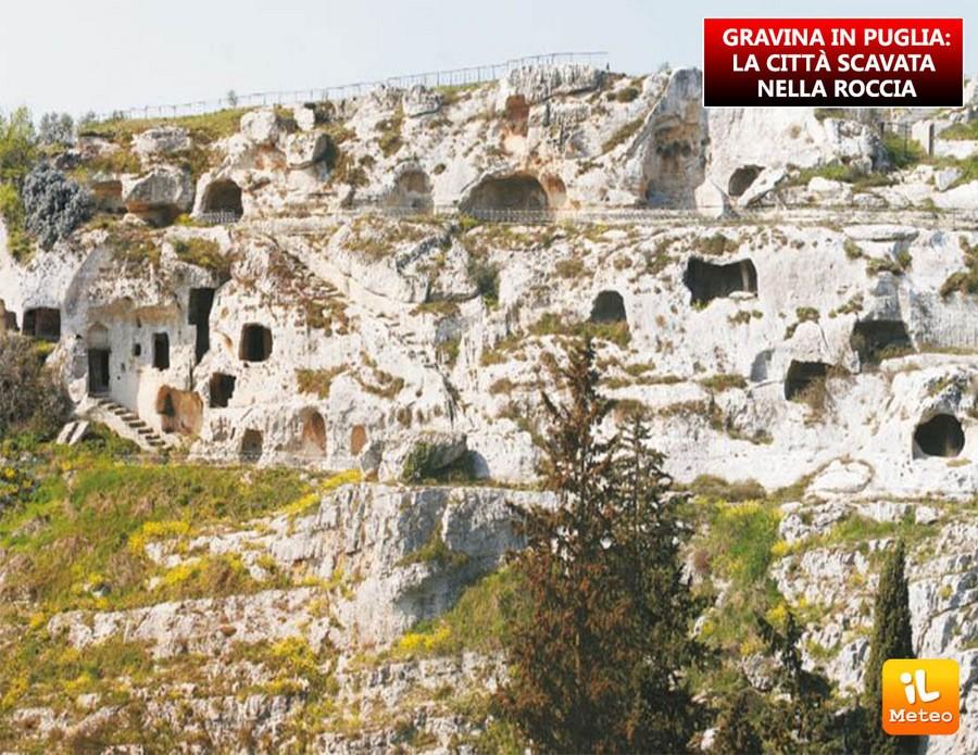 GRAVINA IN PUGLIA: la città scavata nella roccia