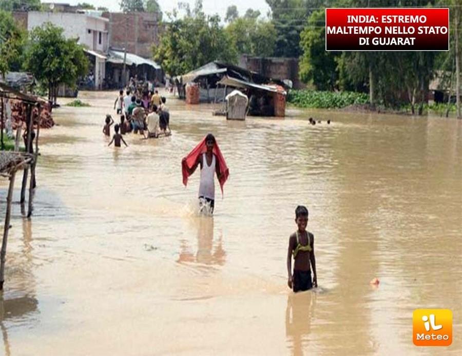 India, maltempo estremo nello stato di Gujarat