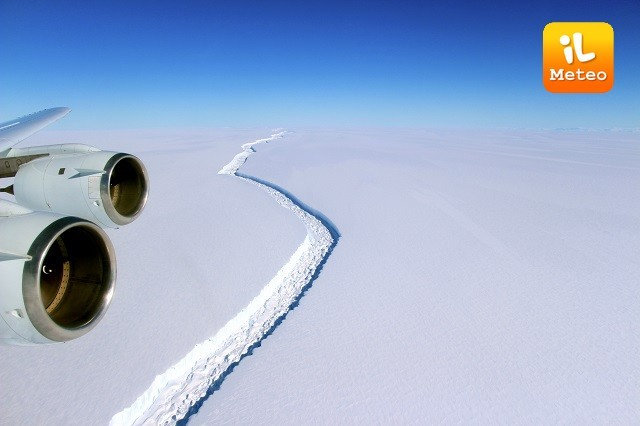 La gigantesca piattaforma Larsen C staccatasi nei mesi scorsi in Antartide