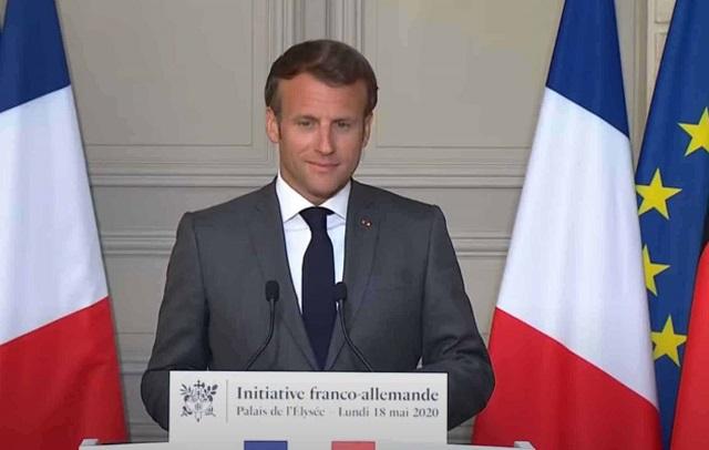 Covid, la Francia abbassa la quarantena a 7 giorni. Bassetti: