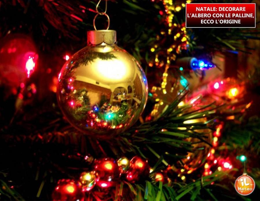 Immagini Palline Natalizie.Natale Decorare L Albero Con Le Palline Ecco L Origine Ilmeteo It