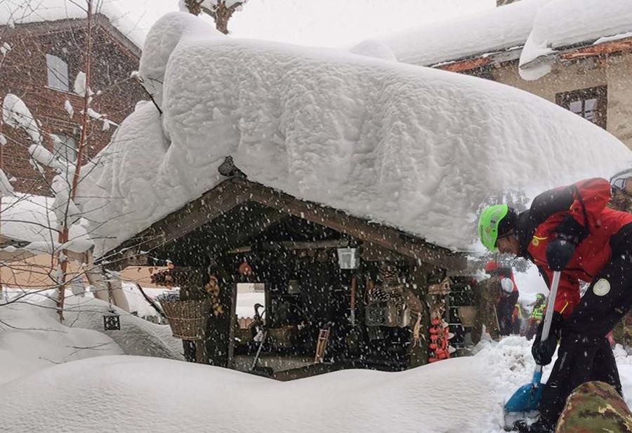 Torna la neve sulle alpi in questo mese di ottobre. Meteo perturbato.
