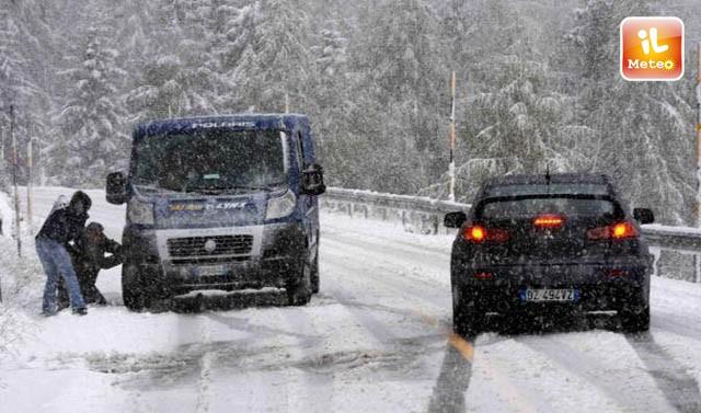 Ponte Legno Meteo.Maltempo Bufera Di Neve A Ponte Di Legno Video Esclusivo
