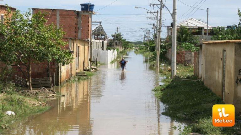 Rio de Janeiro, molti quartieri sono finiti sott'acqua