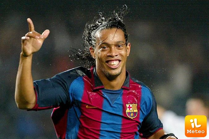 Ritiro Ronaldinho, addio al calcio giocato: sarà ambasciatore del Barca