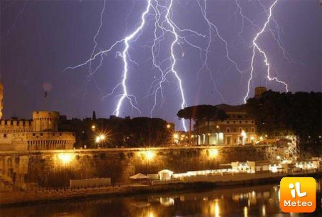 Meteo: ROMA, Imminente Alto Rischio NUBIFRAGI sulla Capitale e ...