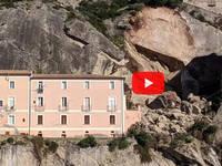 Cronaca DIRETTA VIDEO: AMANTEA (CS), FRANA un COSTONE, Grossi massi verso le CASE. Le IMMAGINI