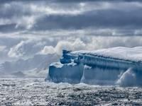 ICEBERG più grande del mondo in rotta di collisione con la GEORGIA del Sud