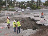 SAN DIEGO, incredibile cratere sulla strada!