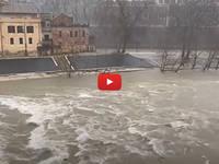 Meteo Cronaca DIRETTA VIDEO: ROMA, Chiuse le Banchine del TEVERE, Allagamenti in Diverse Zone. Le IMMAGINI