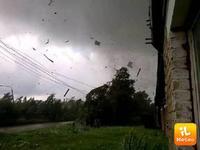 Meteo ~ TORNADO in RUSSIA, ingenti DANNI. Abitazioni DISTRUTTE [VIDEO]