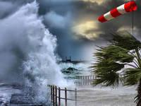 Meteo: VENTI BURRASCOSI Imminenti con Raffiche a 120 km/h e Mareggiate. Aree a Rischio