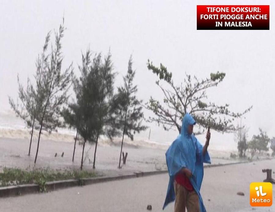 Malesia, gravi danni a seguito del passaggio del tifone Doksuri sull'isola di Penang