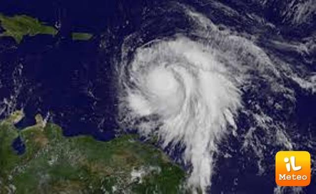 L'uragano Maria visto dal satellite
