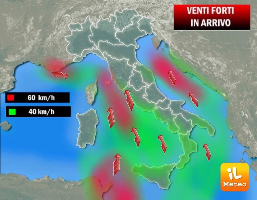 Venti forti sull'Italia, acqua alta a Venezia