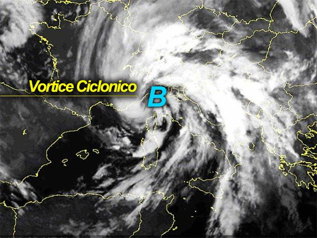 Ben evidente dall'immagine Meteosat la posizione del vortice